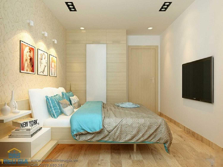 Màu sắc của phòng ngủ thường là tùy thuộc vào tính cách của người dùng, lớn tuổi hay trẻ tuổi, cá tính hay trầm ấm... Chọn nhữngphụ kiệnnhỏ như bàn trang điểm, giá sách, ghế sofa đơn, tủ quần áo âm tường có kích thước vừa với kích thước phòng
