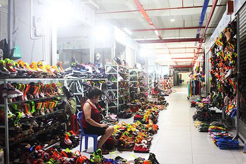 Tiểu thương chợ Đầm mới Nha Trang buôn bán khó khăn