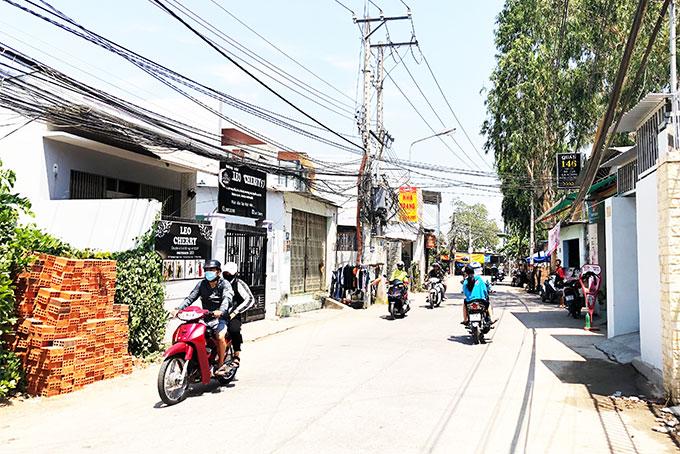 Khu dân cư dọc bờ sông Cái thuộc phường Ngọc Hiệp.