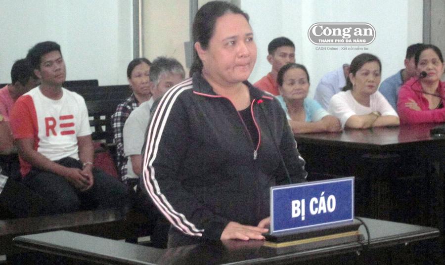 """Bị cáo Nguyễn Thị Thúy bị kết tội 18 năm tù vì tội """"Lừa đảo chiếm đoạt tài sản"""""""