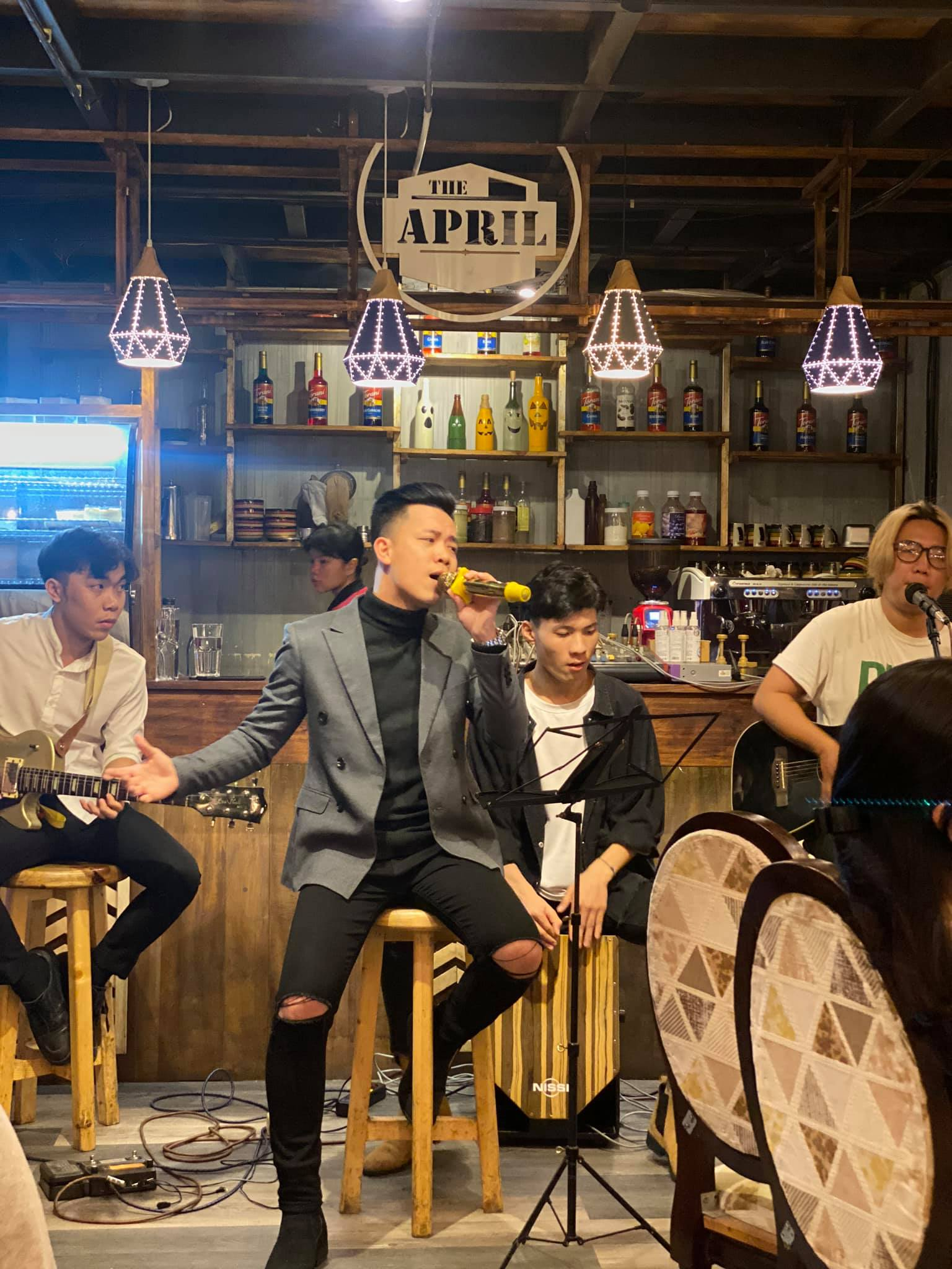 The April Coffee & Acoustic